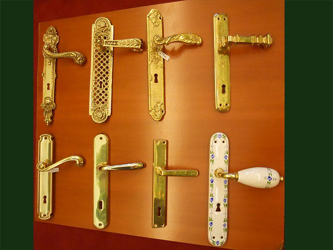 L 39 ottonaio maniglie per porte for Maniglie porte oro